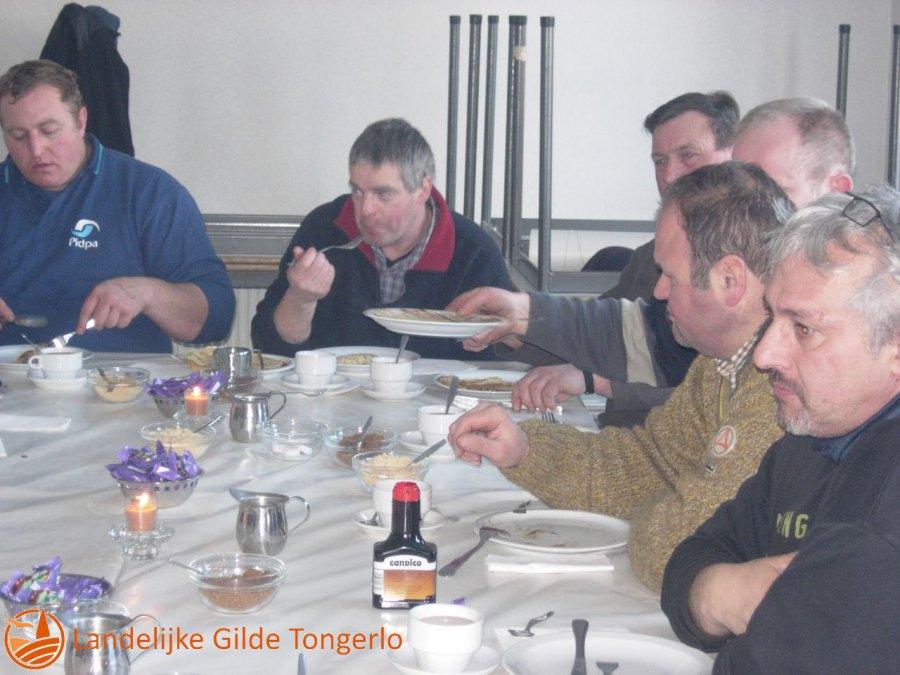 2009-Kerststal-afbreken-112