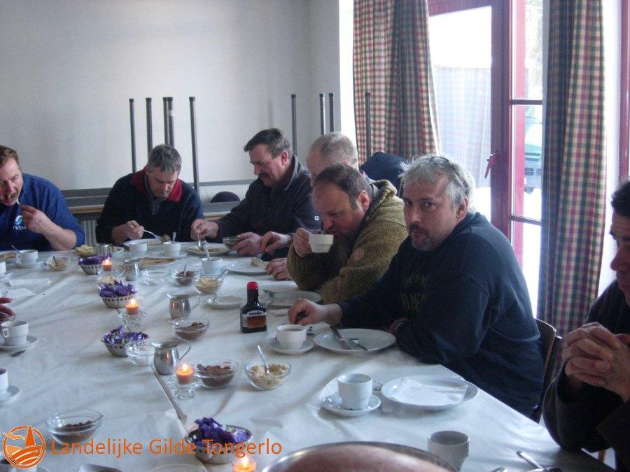 2009-Kerststal-afbreken-113