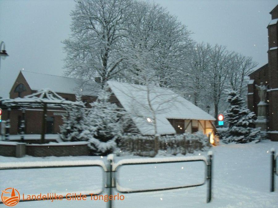 2009-Kerststal-in-de-sneeuw-001